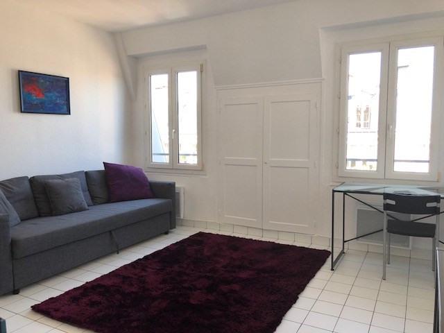 Location appartement Paris 10ème 900€ CC - Photo 2