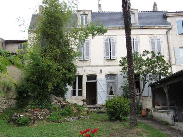 Vente maison / villa Saint-jean-d'angély 243800€ - Photo 1