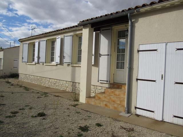 Vente maison / villa Villeneuve-la-comtesse 137300€ - Photo 1