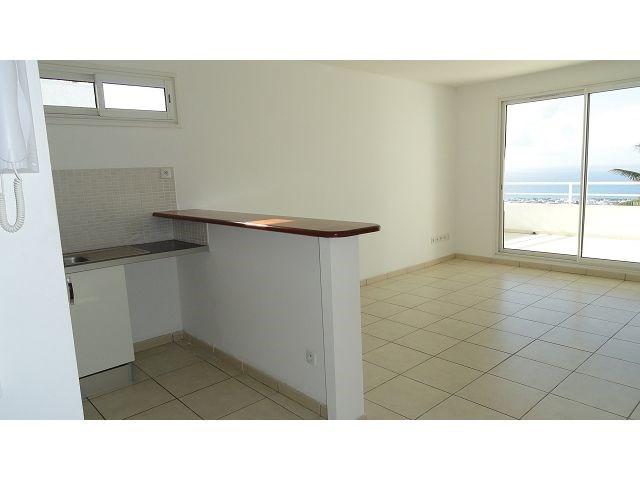 Location appartement Ste clotilde 785€ CC - Photo 3