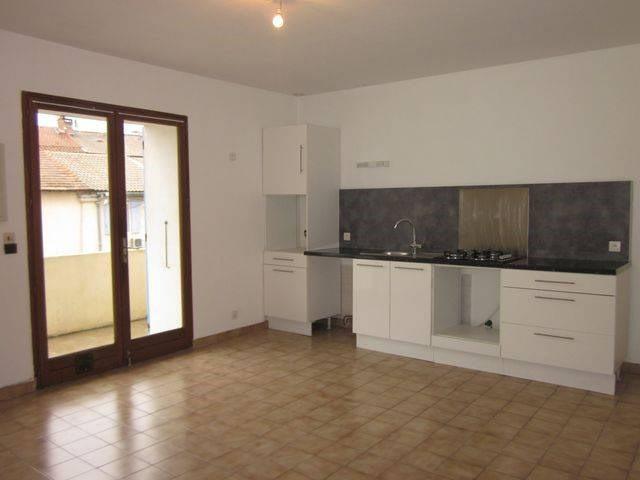 Location appartement Montfavet 470€ CC - Photo 1