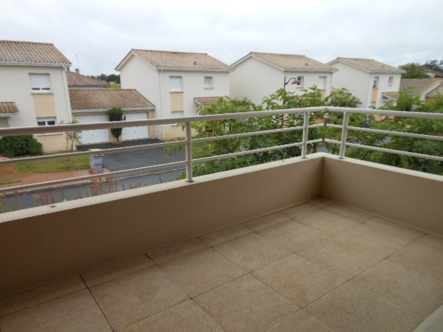 Location appartement Cadillac 541€ CC - Photo 1