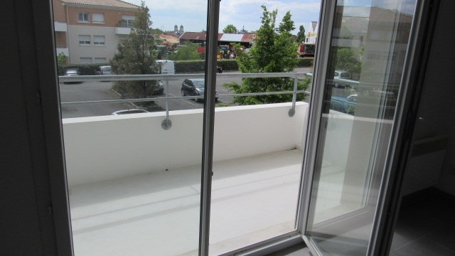Sale apartment Saint-jean-d'angély 63 400€ - Picture 3