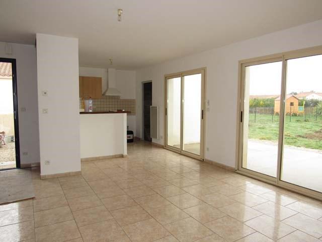 Vente maison / villa Villeneuve-la-comtesse 143700€ - Photo 3