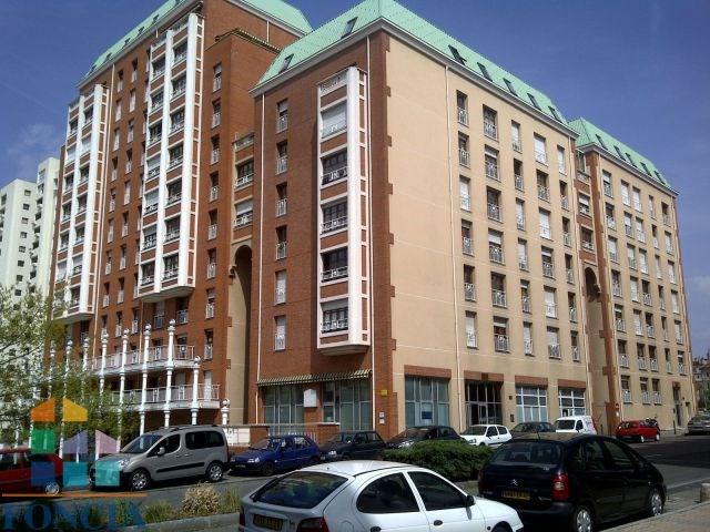 Location appartement Saint etienne 225€ CC - Photo 1