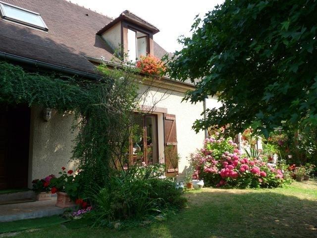 Sale house / villa Orgeval 630000€ - Picture 1