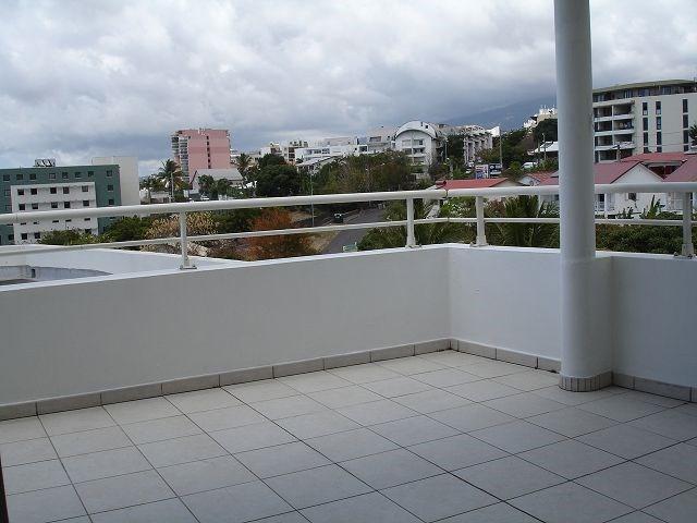 Location appartement Ste clotilde 898€ CC - Photo 3