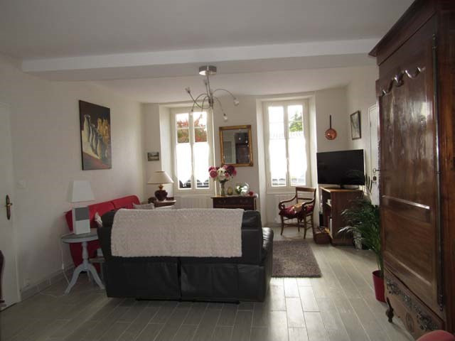 Sale house / villa Saint-jean-d'angély 217 300€ - Picture 6