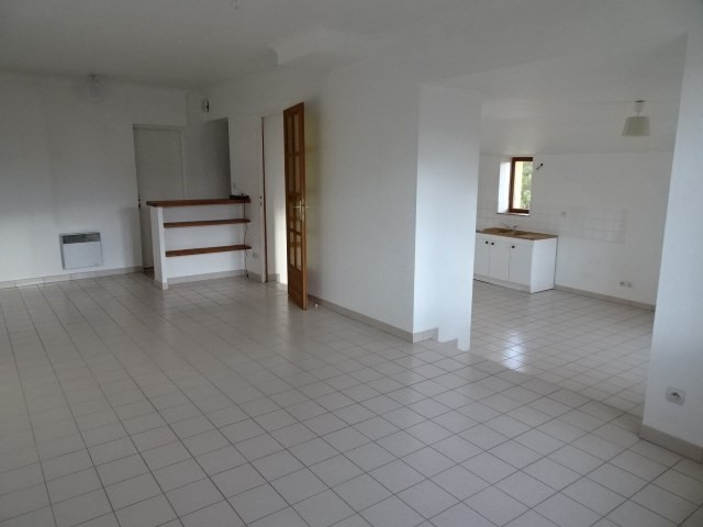 Location maison / villa Theize 907€ CC - Photo 1