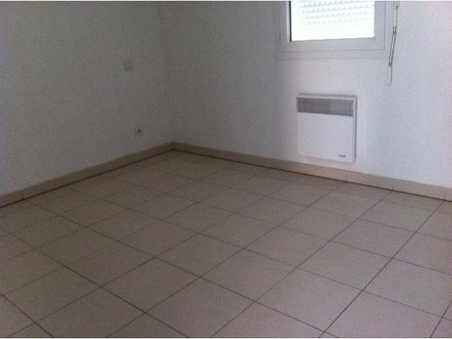 Rental apartment Cambes 608€ CC - Picture 3