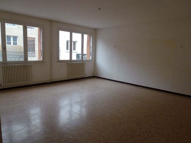 Rental apartment Hauterives 550€ CC - Picture 1
