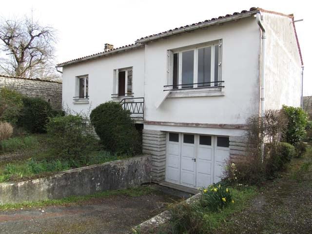 Sale house / villa Matha 90750€ - Picture 2