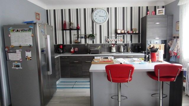 Sale house / villa Saint-jean-d'angély 169600€ - Picture 5