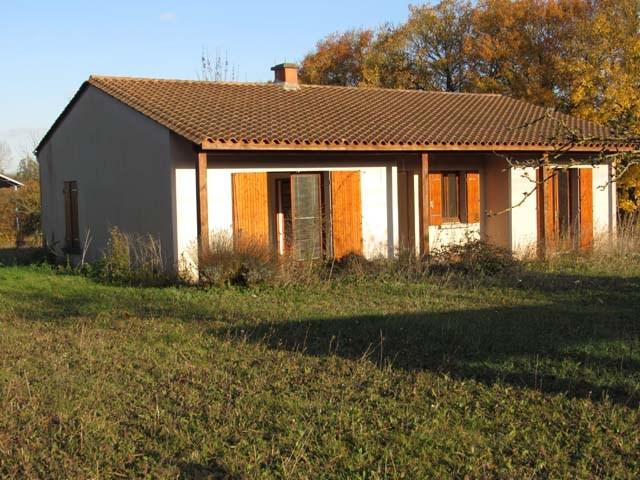 Sale house / villa Saint jean d'angely 143250€ - Picture 1