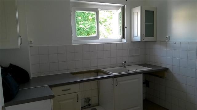Location maison / villa Le perreon 570€ CC - Photo 2