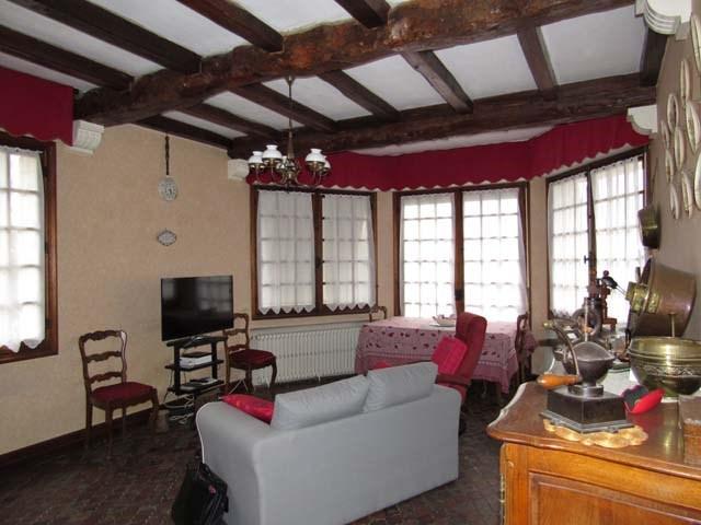 Vente maison / villa Saint-jean-d'angély 164300€ - Photo 4