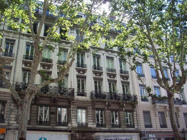 Location appartement Lyon 6ème 2805€ CC - Photo 8