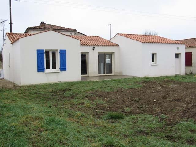 Vente maison / villa Villeneuve-la-comtesse 143700€ - Photo 1