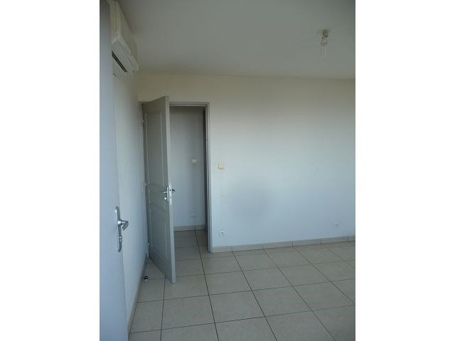 Location appartement La possession 555€ CC - Photo 3