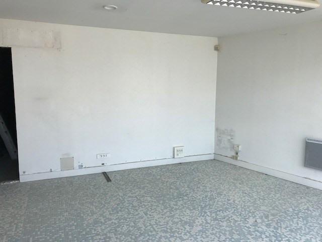 Rental empty room/storage Rochefort 650€ CC - Picture 5