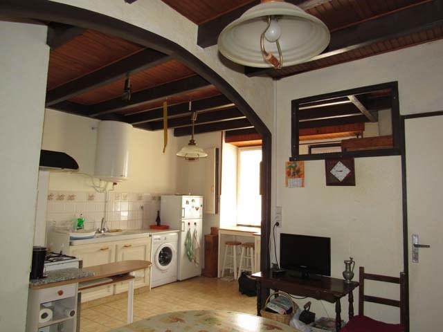 Vente maison / villa Dampierre-sur-boutonne 85500€ - Photo 3
