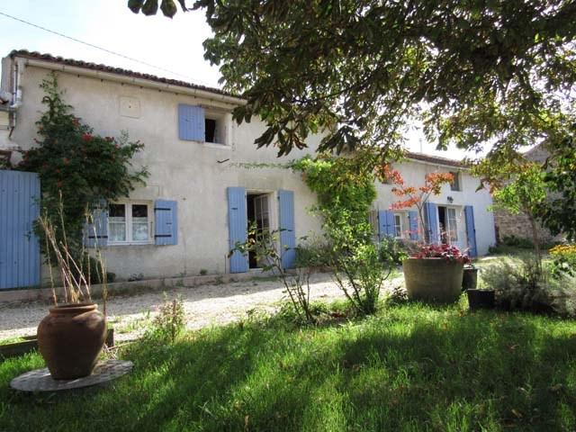 Vente maison / villa Tonnay boutonne 169600€ - Photo 1