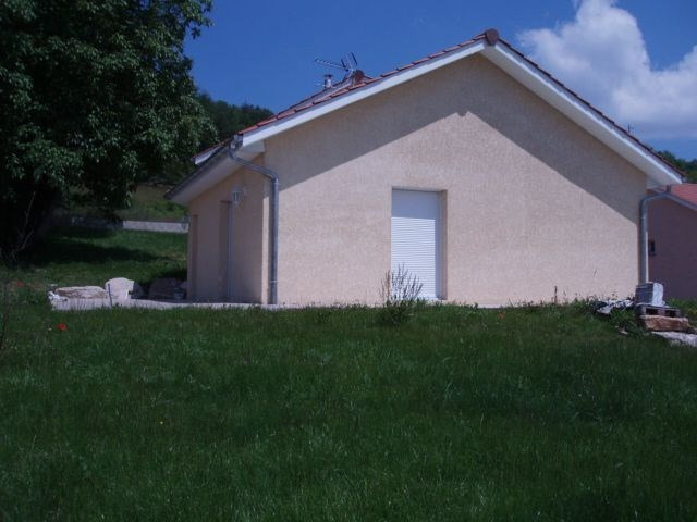 Location maison / villa Cessieu 899€ +CH - Photo 2