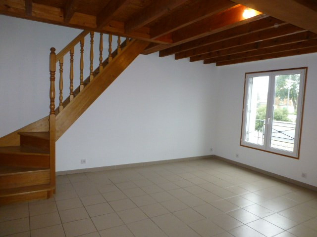 Rental apartment Bonnières-sur-seine 500€ CC - Picture 1