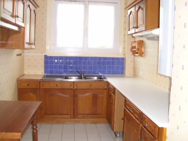 Rental apartment Maurepas 1072€ CC - Picture 3