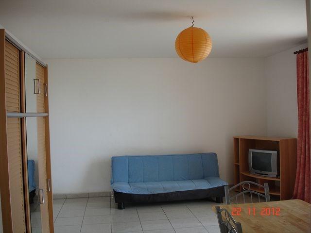 Location appartement Ste clotilde 452€ CC - Photo 2