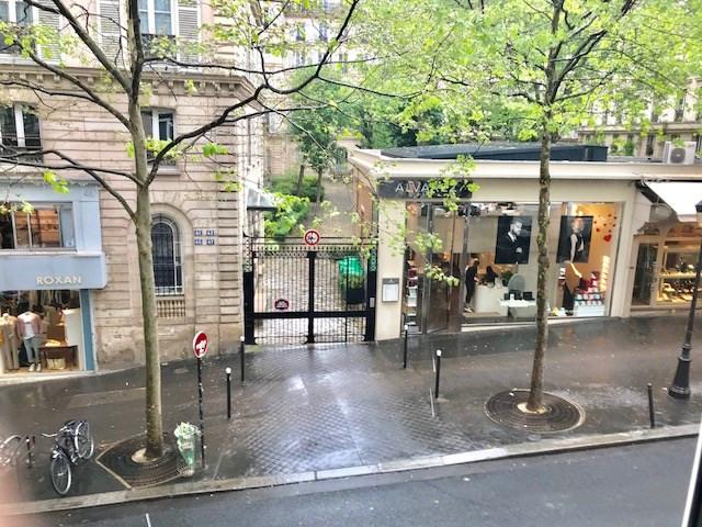 Rental apartment Paris 9ème 2900€ CC - Picture 6