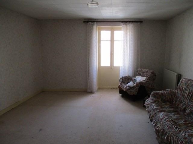 Sale house / villa Saint-jean-d'angély 38000€ - Picture 3