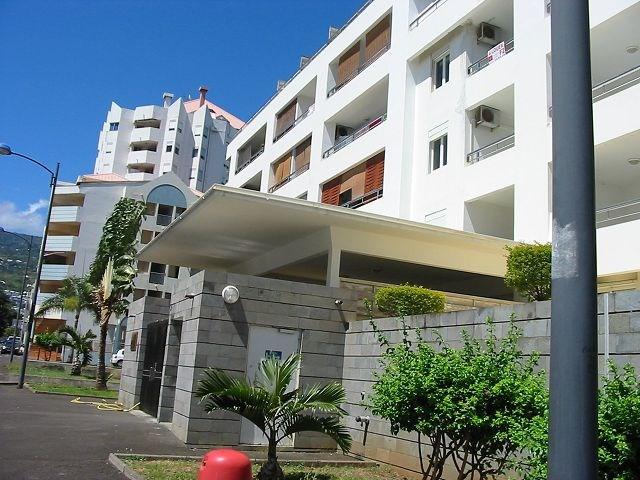 Location appartement Ste clotilde 359€ CC - Photo 1