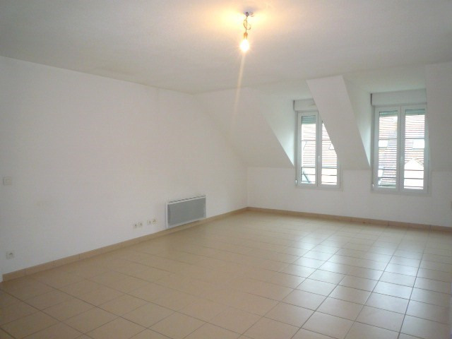 Rental apartment Pomponne 1 300€ CC - Picture 2