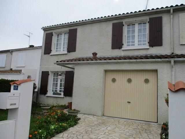 Sale house / villa Saint-jean-d'angély 137000€ - Picture 1