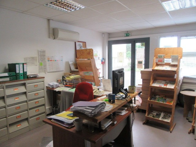 Location local commercial Perigueux 1350€ CC - Photo 2
