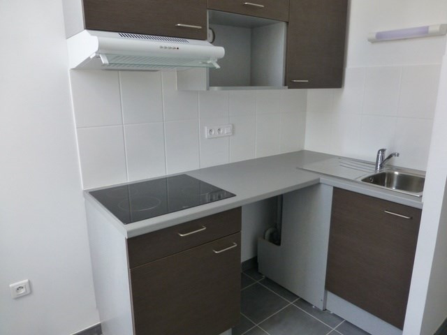 Rental apartment Saint-jean-d'angély 560€ CC - Picture 3