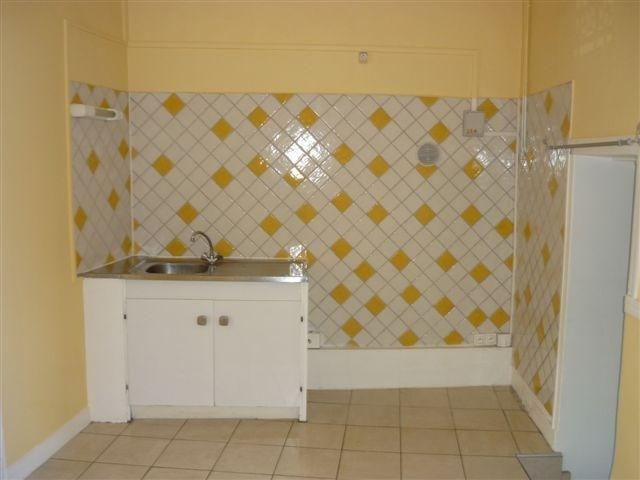 Location appartement Ville 355€ CC - Photo 3