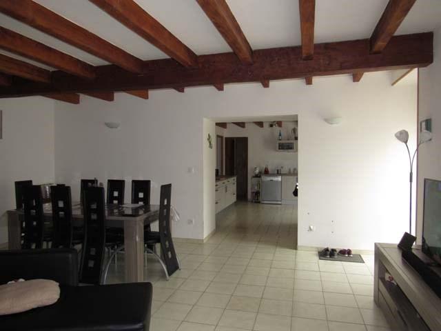 Sale house / villa Saint-jean-d'angély 150600€ - Picture 4