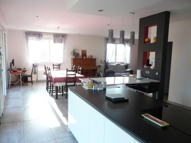 Vendita casa Saint-genest-lerpt 399000€ - Fotografia 1