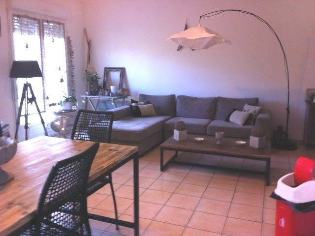 Rental apartment Les angles 843€ CC - Picture 2