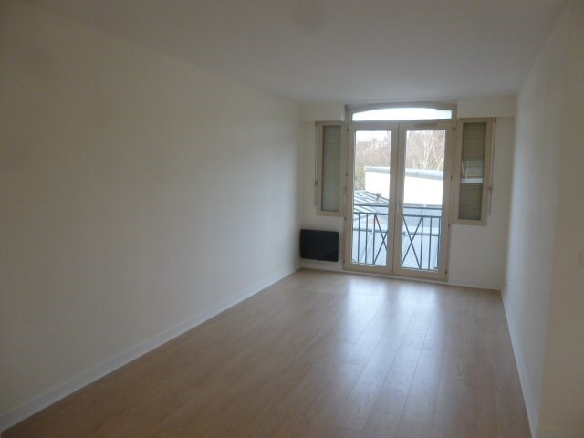 Rental apartment Montlhéry 808€ CC - Picture 2