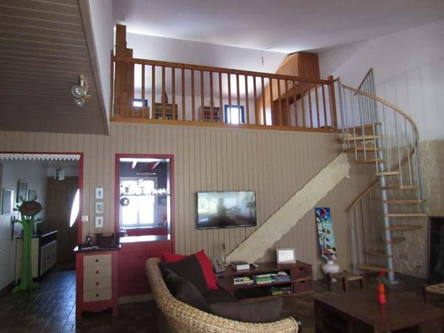 Sale house / villa Saint-jean-d'angély 217300€ - Picture 6