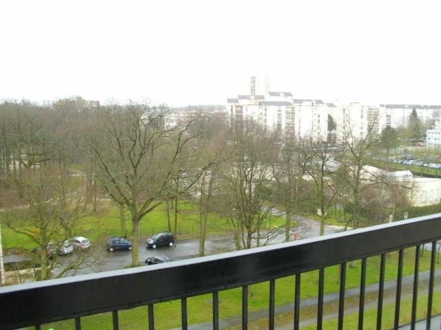 Rental apartment Maurepas 1072€ CC - Picture 5
