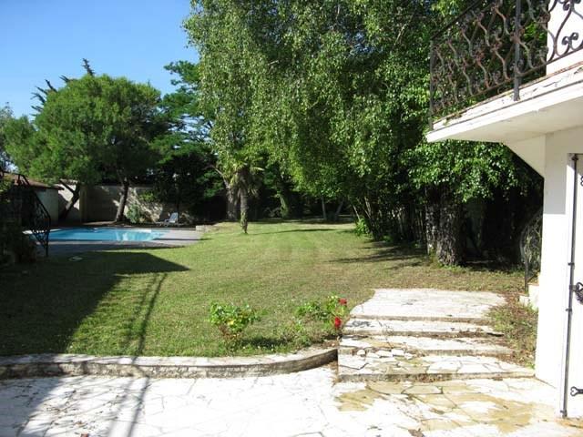Sale house / villa Saint-jean-d'angély 159000€ - Picture 2