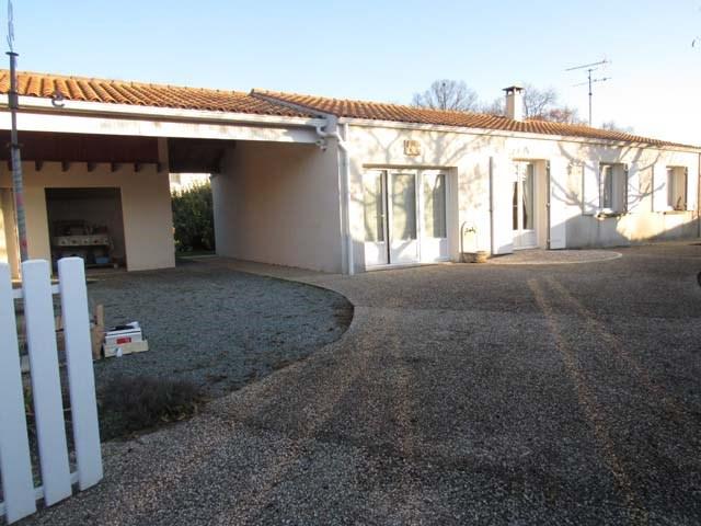 Vente maison / villa Villeneuve-la-comtesse 133125€ - Photo 1