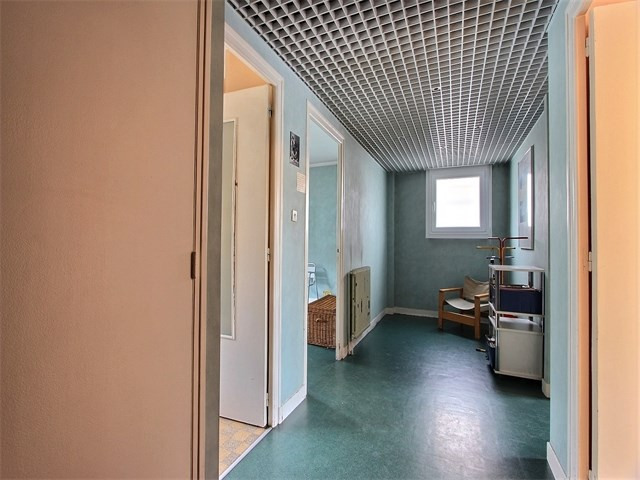 Sale apartment Annecy 298 000€ - Picture 2