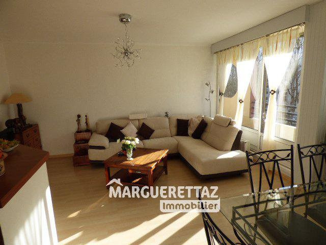 Sale apartment Bonneville 210000€ - Picture 2