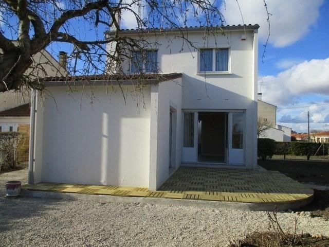 Rental house / villa Saint-jean-d'angély 605€ CC - Picture 1