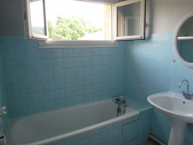 Location appartement St uze 395€ CC - Photo 6